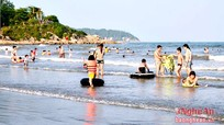 TX Hoàng Mai: Khách du lịch về tắm biển tăng 15% so với cùng kỳ
