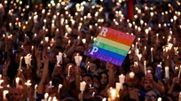 Sắc cầu vồng tràn ngập tưởng niệm nạn nhân vụ thảm sát Orlando