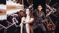 Ngọc Trinh thể hiện vũ đạo gợi cảm ở 'Đêm hội chân dài'