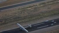 Máy bay chạy bằng pin mặt trời vượt Đại Tây Dương hạ cánh an toàn