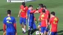 Pique bị Casillas tát sau màn chơi xỏ bất thành