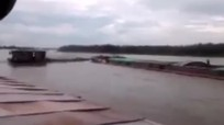 Giây phút hai tàu đâm nhau làm 4 người thiệt mạng trên sông