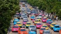 Lái xe Bangkok trả lại đồ cho khách du lịch Nhật Bản