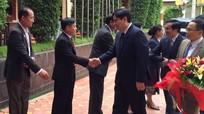 Đồng chí Nguyễn Đắc Vinh thăm tỉnh Xiêng Khoảng (Lào)