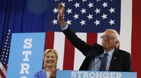 Thượng Nghị sỹ Sanders ủng hộ bà Clinton trở thành Tổng thống