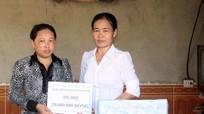 Bàn giao nhà tình thương cho phụ nữ nghèo
