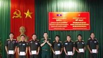 Bế mạc lớp bồi dưỡng kiến thức QP-QS địa phương cho cán bộ LLVT tỉnh Xiêng Khoảng
