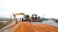Đẩy nhanh tiến độ xây dựng đường số 1, dự án ngập lũ Năm Nam