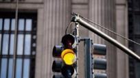 Phạt vượt đèn đỏ, vượt đèn vàng: Quy định vẫn thế, sao dân hiểu khác?