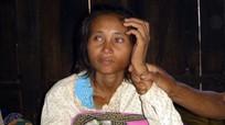 'Cô gái người rừng' ở Campuchia đoàn tụ với cha Việt