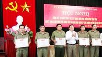 Khen thưởng 16 tập thể, cá nhân xuất sắc trong phong trào tự quản an ninh trật tự