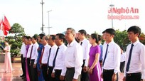 Liên minh HTX tỉnh dâng hương tại Quảng trường Hồ Chí Minh