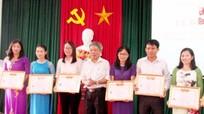 Nghĩa Đàn: 76 học viên được trao bằng trung cấp lý luận chính trị