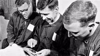 Gia đình cựu binh Mỹ hiến tặng hiện vật cho Việt Nam