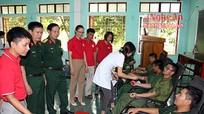 Hơn 600 cán bộ, chiến sỹ tham gia hiến máu tình nguyện