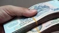Cán bộ nhận án kỷ luật vì bị 'nhét tiền vào cặp mà không biết'