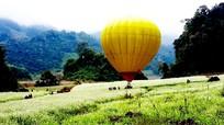 Ngắm Mộc Châu từ khinh khí cầu với giá 150.000 đồng