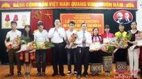 Tuyên dương 16 học sinh dân tộc thiểu số đạt điểm cao trong kỳ thi THPT Quốc gia 2016