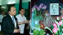 Thủ tướng Nguyễn Xuân Phúc dâng hương tưởng nhớ Bác Hồ
