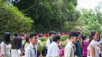 Dòng người hành hương về quê Bác trong ngày Tết Độc lập