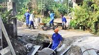 Hỗ trợ đầu tư làm đường giao thông và xây dựng kênh mương nội đồng