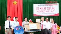 Phó Bí thư Tỉnh ủy Nguyễn Văn Thông dự Lễ khai giảng tại trường THPT Thanh Chương 1