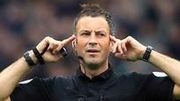 Trọng tài số 1 nước Anh bắt derby Manchester