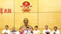 Tỉnh Nghệ An trao tặng Bằng khen cho Tập đoàn Mường Thanh
