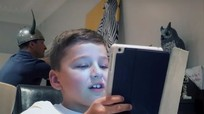 Smartphone, máy tính bảng khiến con bạn 'mụ mị' đến mức nào?