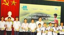 Viettel Nghệ An khởi động chương trình học bổng 'Vì em hiếu học' năm 2016
