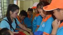 Trường Phượng Hoàng đem Trung thu đến với trẻ em có hoàn cảnh khó khăn