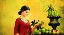 Người đẹp biển Đào Thị Hà hóa thiếu nữ trong tranh
