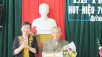 Trao tặng Huy hiệu 70 tuổi Đảng