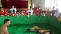 Độc đáo bể bơi di động của thầy giáo người Nghệ