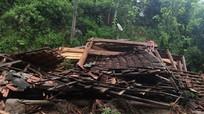 Lũ quét, 1 ngôi nhà bị đổ sập hoàn toàn