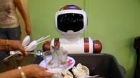 Singapore dùng robot vì thiếu lao động