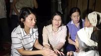 Đoàn giám sát HĐND tỉnh chia buồn gia đình thiệt hại do lũ lụt