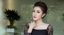 Huyền My, Phạm Hương đẹp nhất tuần với gam đen, trắng