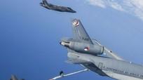Mỹ phát triển máy bay tiếp dầu cho tiêm kích tàng hình