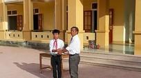 Học sinh nghèo Khơ Mú trả lại 13 triệu đồng cho người đánh rơi