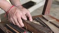 Phát hiện bộ sách cổ bằng lá cây cực kỳ quý hiếm ở Nghệ An