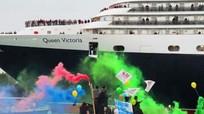 Dân bản địa chặn tàu du lịch ở Venice