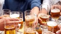Tiền uống rượu bia ở Việt Nam có thể nuôi sống gần 21 triệu người/năm