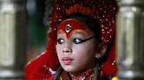 Nữ thần sống Nepal - tuổi thơ khác biệt của những bé gái tại Katmandu