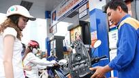 Xăng dầu giảm 300 đồng/lít vào các ngày thứ Bảy