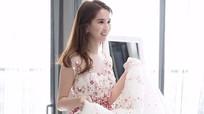 Váy công chúa của Ngọc Trinh mất 15 ngày đính đá thủ công