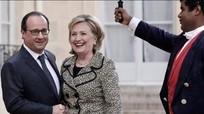 Francois Hollande: Không có lựa chọn nào khác ngoài bà Clinton