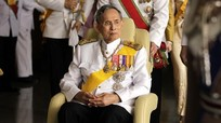 Nhà vua Thái Lan phải thở máy