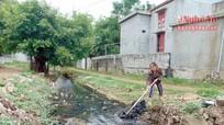 Ô nhiễm mương thoát nước dân sinh