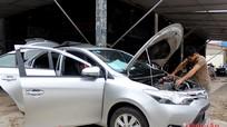 Ô tô ở Vinh 'đưa nhau đi bệnh viện'